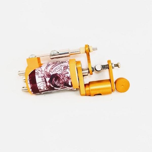Máquina de Tatuagem Eclipse Machine 2 com batedor é uma maquina potente e silenciosa que já vem com a opção de plug RCA.