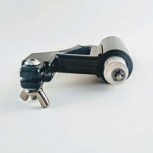Máquina potente e silenciosa para pintura e traço, um modelo pequeno e básico.