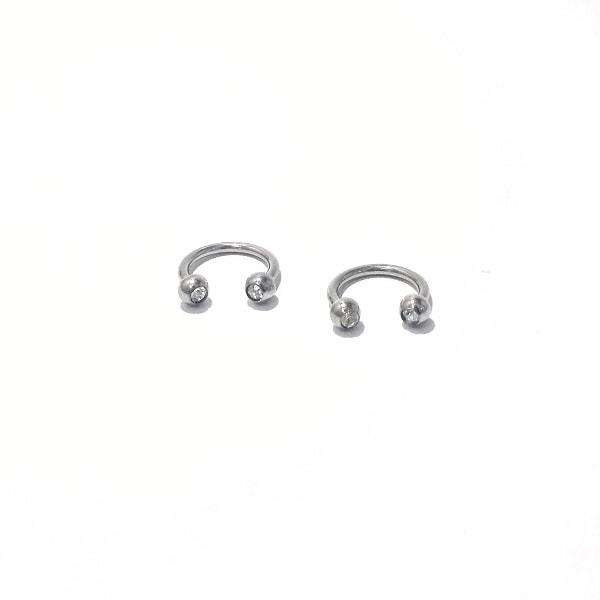 Ferradura com strass- Material Aço Cirúrgico 316L – Tamanho: 1,2 da haste e 8 mm de diâmetro interno.